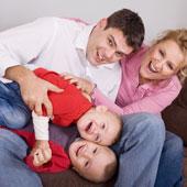 http://www.mpfs.cz/wp-content/uploads/financni-zajisteni-rodiny.jpg